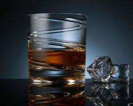ドイツ生まれのスピンするグラス SHTOX